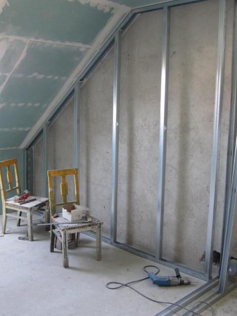 Naše podkroví - začínáme dělat zateplení stěny a příčku :)