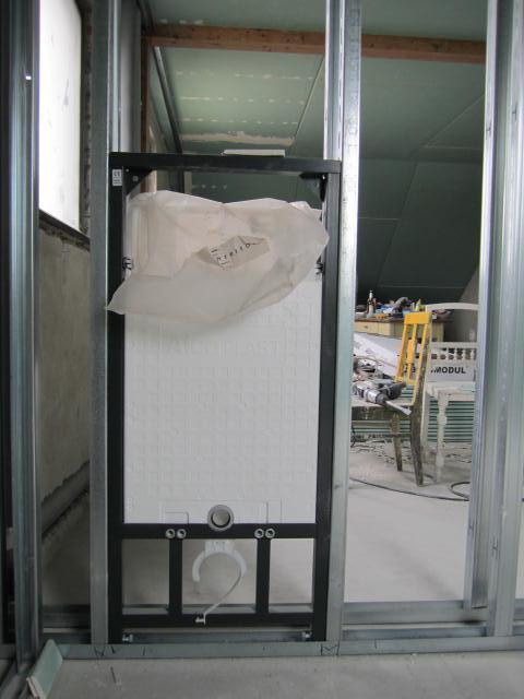Naše podkroví - věřte nebo ne, ale tohle je konstrukce na záchod