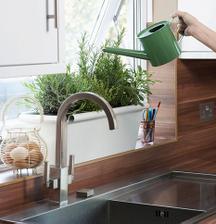 na kuchyňské okno určitě přijdou bylinky