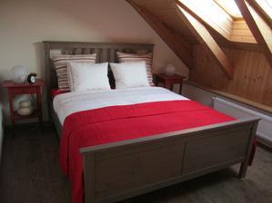 naše malá milá ložnice ... za zmačkání se omlouvám... nedočkavka nedočkavá ... hned to tam muselo být :)