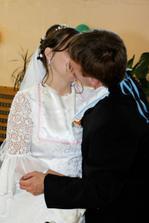 polievka je málo slaná......nevesta je pobozkaná...:))))))))