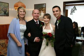 Najlepšia kamoška so svojím nastávajúcim....23.6.2007 tancujeme na ich svadbe...