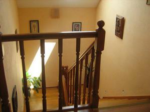 schodište zhora