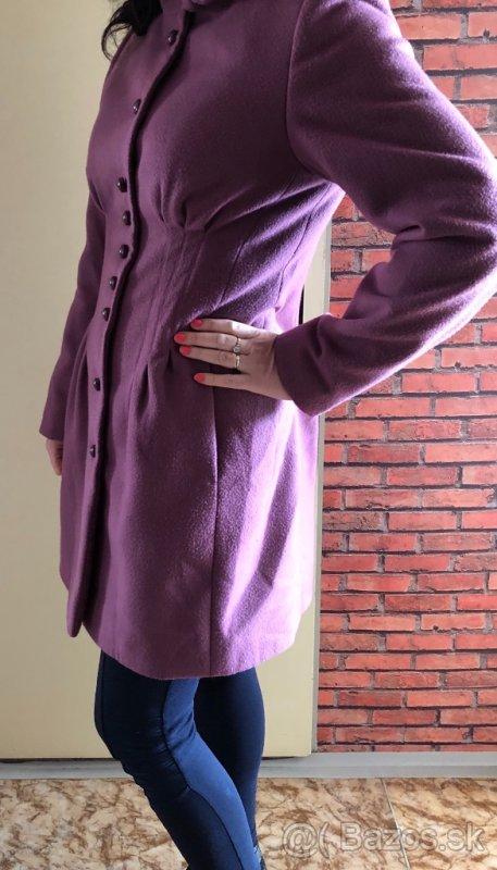 Fialový kabát - Obrázok č. 1