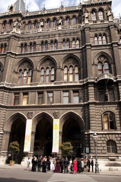Gabriela Čerňanská{{_AND_}}Radovan Babčan - ...a tu sa spečatila naša láska-radnica vo Viedni