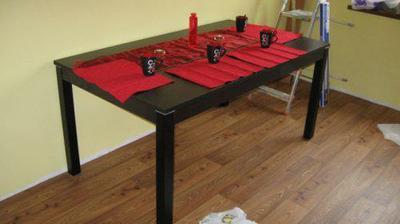 Náš nový stůl + prostírání.