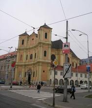 kostol sv. Jána z Mathy ( sv. Trojica) tak tam to bude, akurat pekne prerabaju okolo dlazbu:)