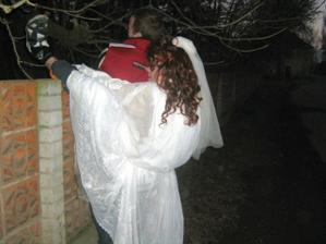 Do svatby je ještě daleko, ale už se objevila falešná nevěsta
