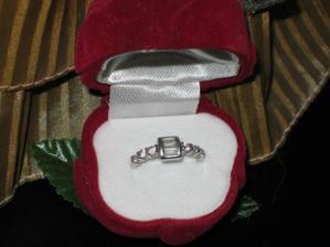 můj zásnubní prstýnek:)