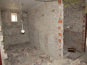 kúpelňa a WC, priečka pôjde ešte dole a posunie sa, aby sa trošku zväčšila kúpelňa