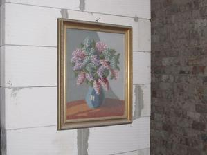 naša jedinečná dekorácia... aspon viem, kde v chodbe bude zrkadlo :-D