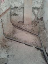 moja nádherná budúca kúpelňa :-D ... kanalizácia konečne hotovo...na rade je voda :-D
