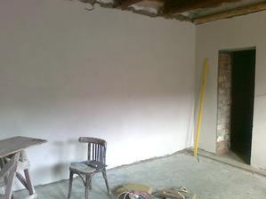 vchod do krásnej omietnutej bielej čistučkej komory :D