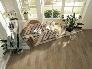 podlaha do kuchyně s obývákem, asi tato nejspíš :)