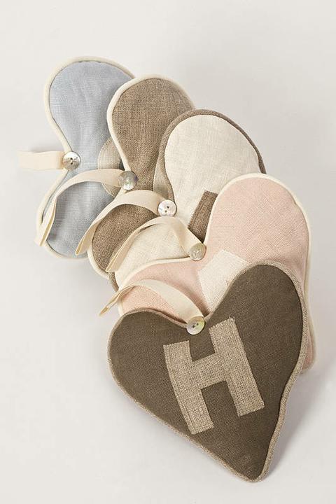 Vyrobme si vankúšik - srdiečko z lásky a ešte vlastnoručne vyrobené... najkrajší darček pod Vianočný stromček ;)