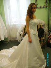 jediné bílé šaty které jsem zkoušela,ale taky ne