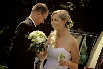 vysmátá nevěsta