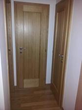 dveře do technické, WC a koupelna