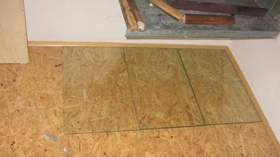 ochrana podlahy - tvrzené sklo