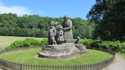 sousoší babičky s dětmi