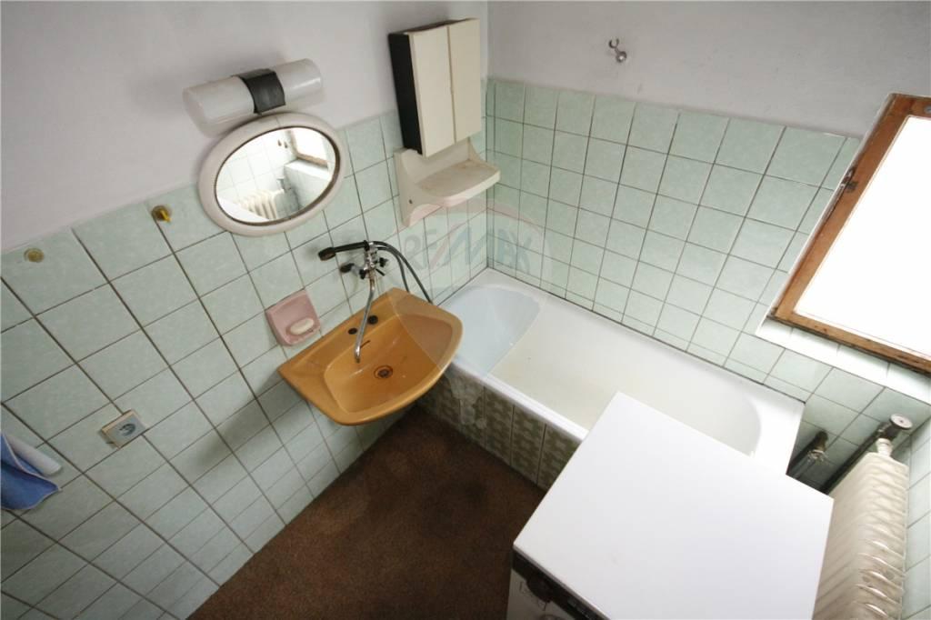 Facelift koupelny - Koupelna  - původní stav při koupi domu před cca 10 lety.