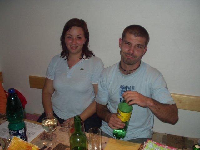 Miška + Robko - a to sme my dvaja na oslave našich naj kamaratov deň pred ich svadbou:))