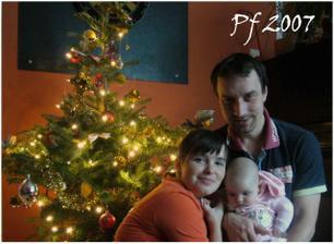 tak to je naše rodinka. Ještě chybí syn Pavla, ale na svatbě chybět nebude :-)