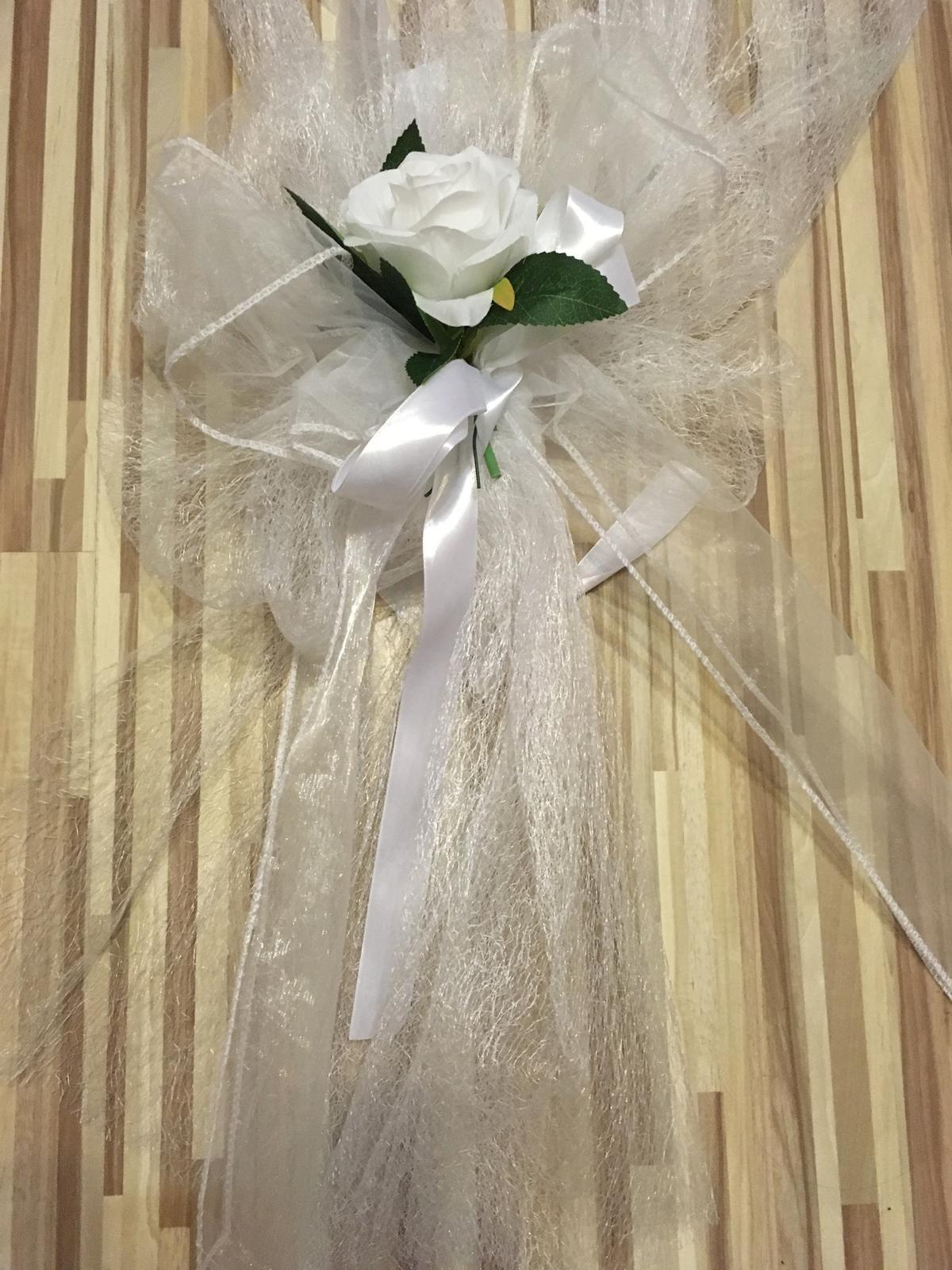 Biela stuha + ruže - Obrázok č. 1