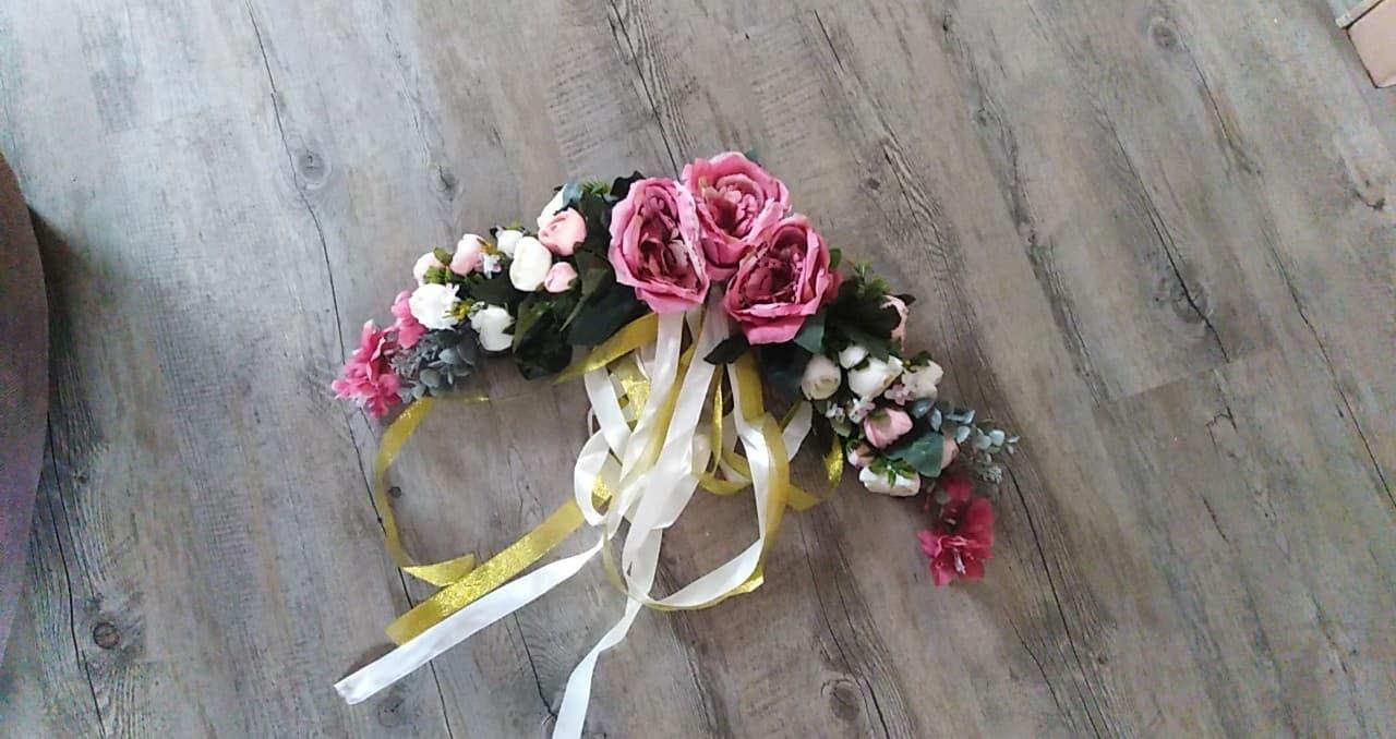1.6.2019 - naše růžovo- přírodní svatba - kytka na oblouk