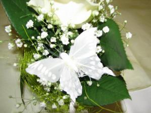 jedna z kvetinovych dekoracii