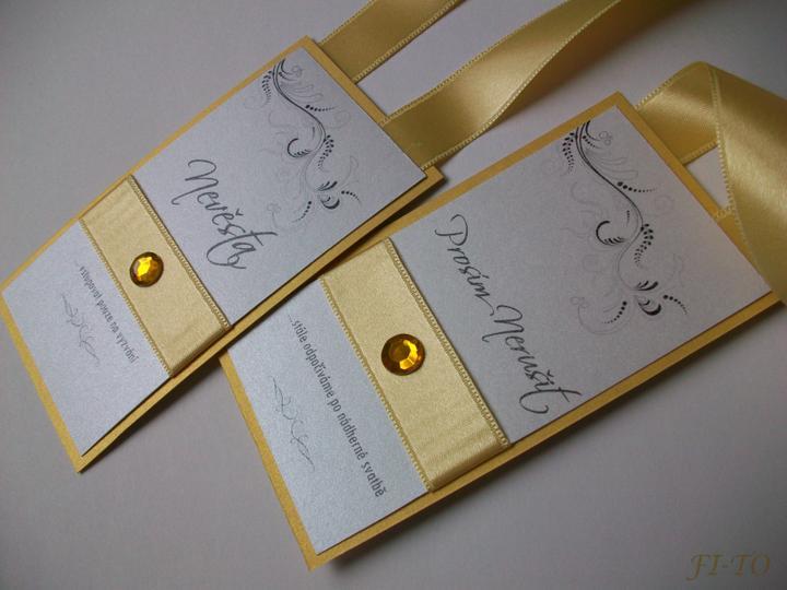 Svatební doplňky v barvě zlata - Visačky na dveře - text můžeme upravit dle přání