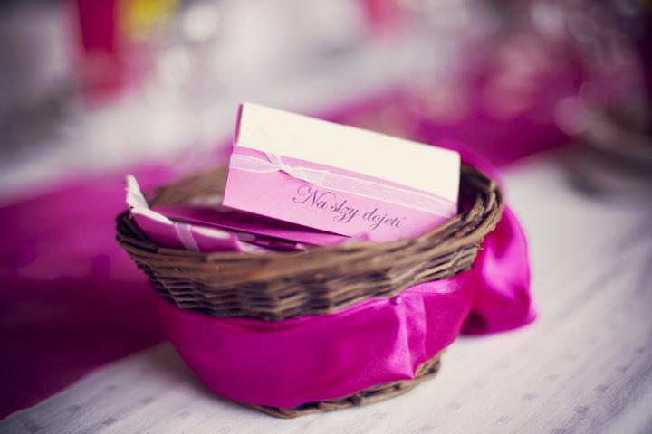 fi_to - Krásná fotka kapesníčků v košíčku (děkujeme za zapůjčení fotečky na náš profil)