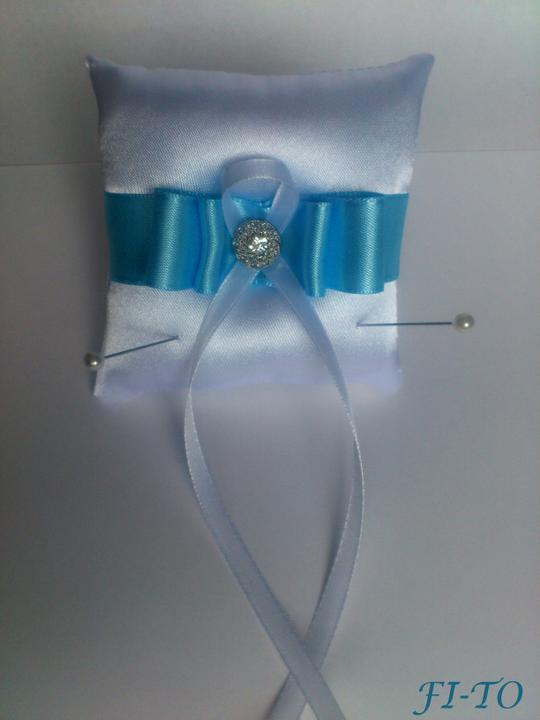 Svatební doplňky v barvě nebe - Mini polštářek na prstýnky - malý velikostí, ale účel splní na jedničku