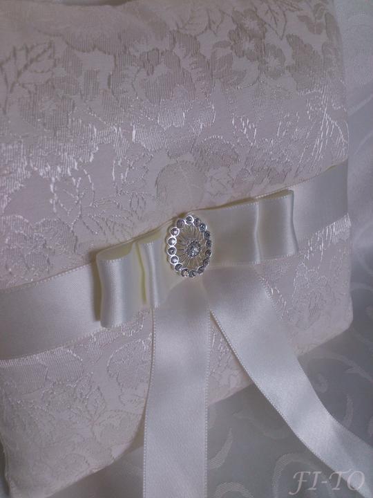 Svatební doplňky v barvě bílo černé - Obrázek č. 18