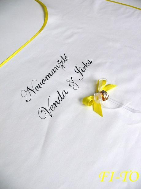 Bryndák pro novomanžele s prstýnky - Obrázek č. 1