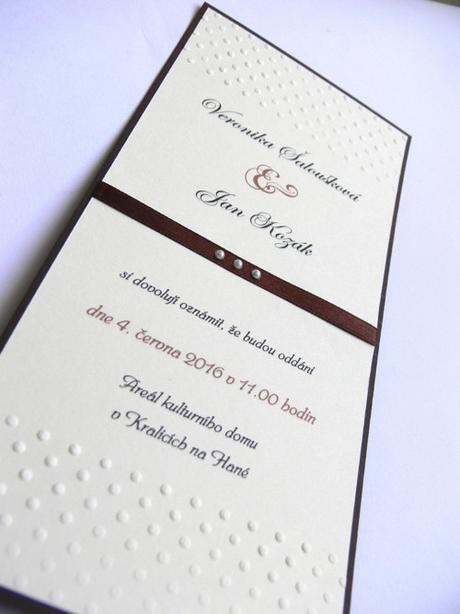 Svatební oznámení se stuhou a embosováním - Obrázek č. 1