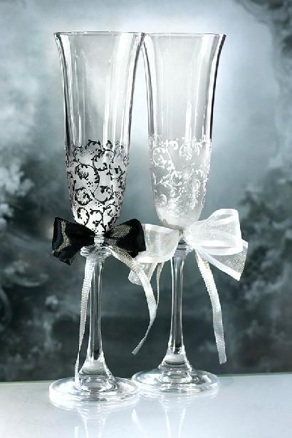 Svatební sklenice černá a bílá - Obrázek č. 1