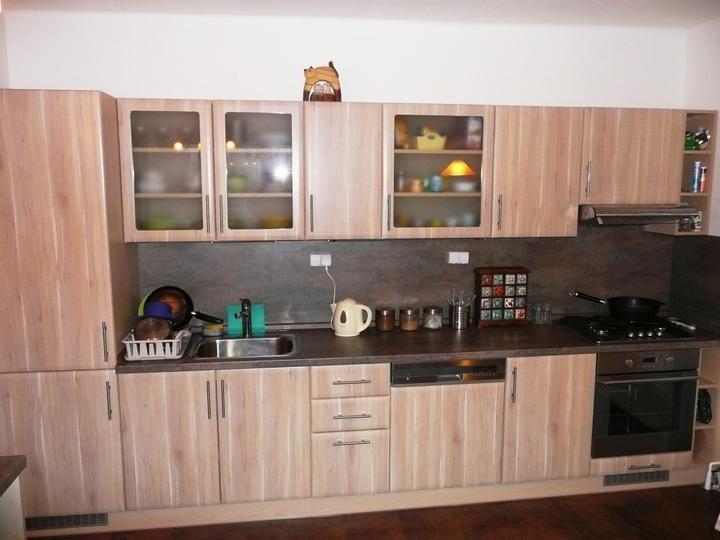 kuchyneprekazdeho - Dvierka-trnka svetlá, korpus-javor kanadský