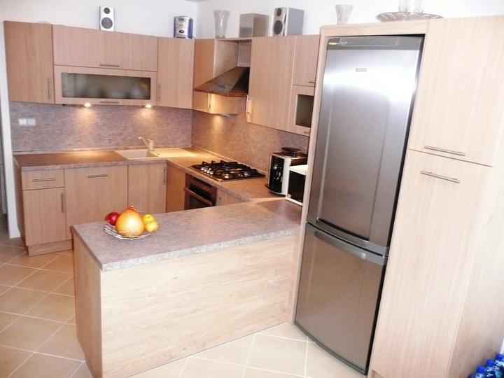 kuchyneprekazdeho - Dvierka-dub natural, korpus-dub winchester