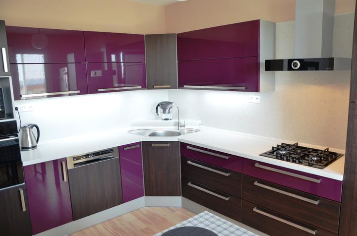 kuchyneprekazdeho - Dvierka-avola hnedá+lila lesk, korpus-hliník