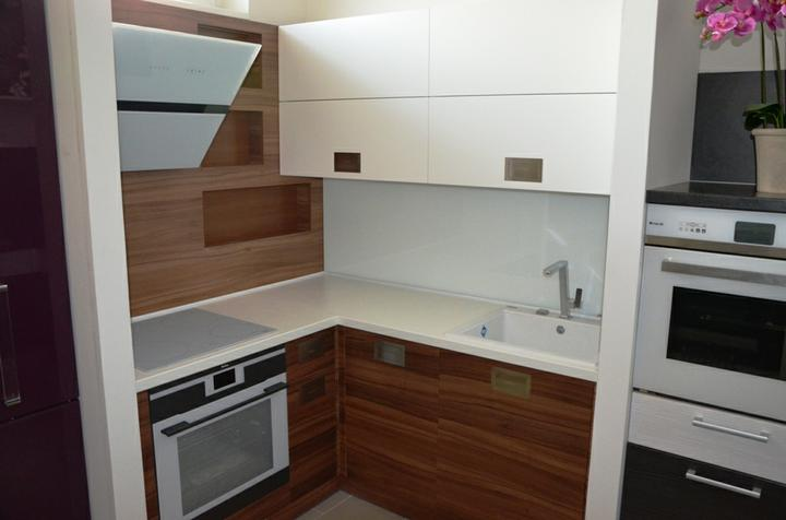 kuchyneprekazdeho - Dvierka-biela koženka+orech dijon, korpus-biely+orech dijon