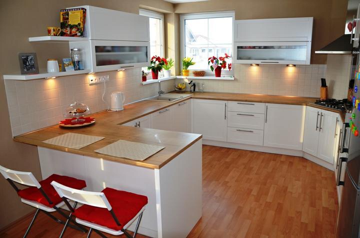 kuchyneprekazdeho - Dvierka-biela koženka, korpus-biely
