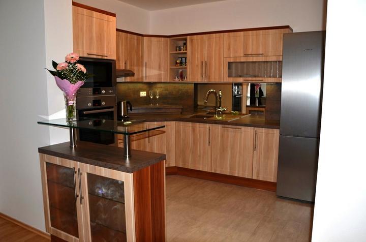 kuchyneprekazdeho - Dvierka-trnka svetlá, korpus-breza+merano natur