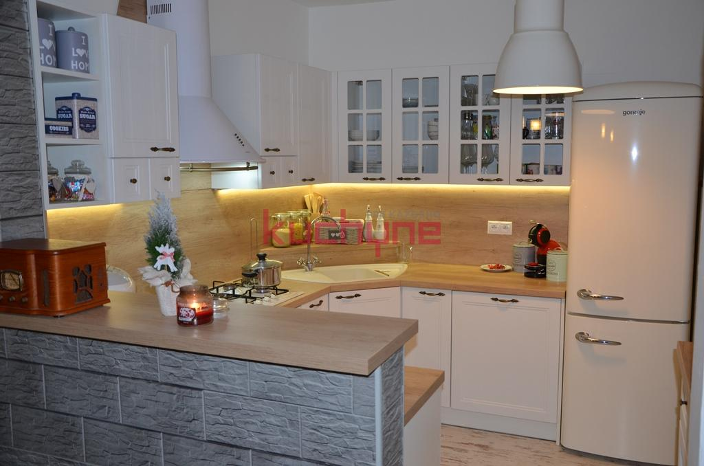 kuchyneprekazdeho - Dvierka-magnólia biela, korpus-biely