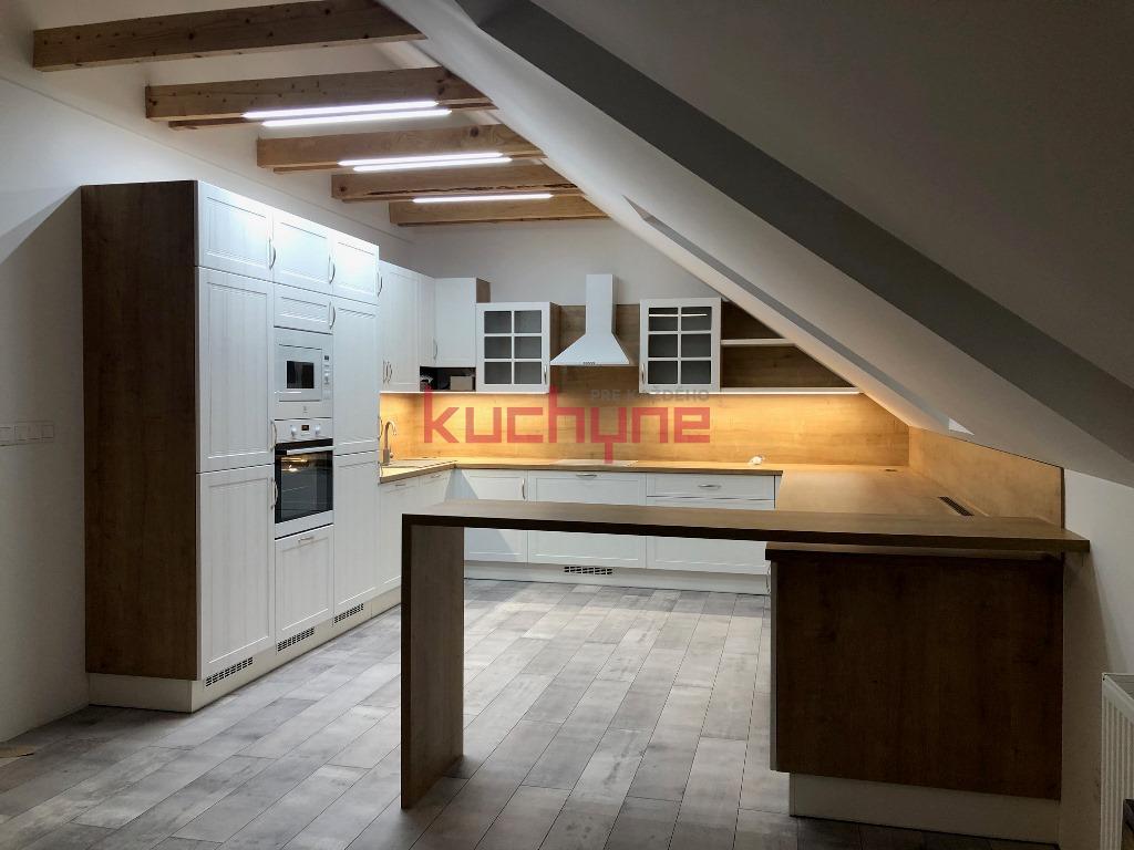 kuchyneprekazdeho - Dvierka-magnólia biela, korpus-dub hamilton prírodný