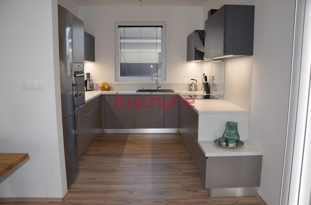kuchyneprekazdeho - Dvierka-stone+grafit mat, korpus-cubanit grey+diamond grey