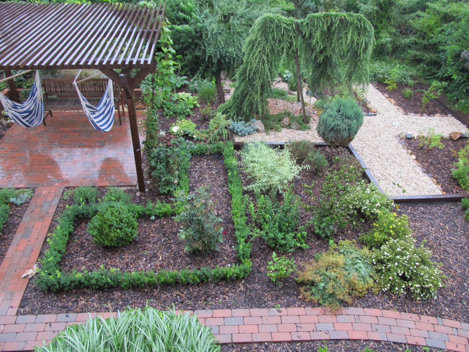 Zahrada z ptačí perspektivy - Obrázek č. 2