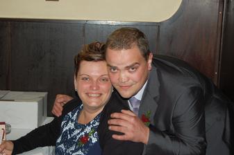 maminka se svým bráchou, mým svědkem (ženy je svobodný!!! :) )