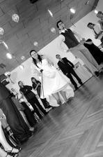 další část našeho prvního tance