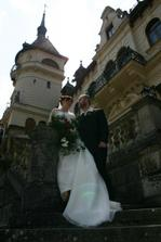 ...u zámku...